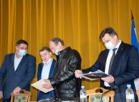 Ялте передали мемориальную табличку, которую установят в честь героя Великой Отечественной войны Умера Адаманова