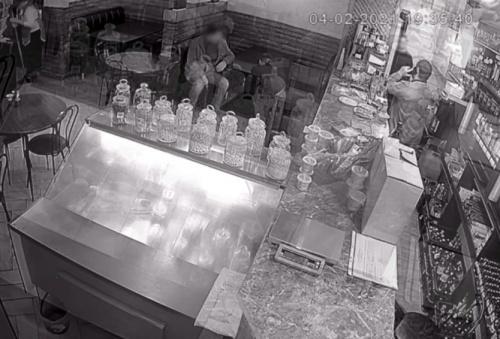 В Ялте приятель обокрал спящего собутыльника на 50 тысяч рублей