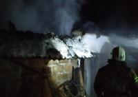 В Симферопольском районе сгорел гараж с автомобилем