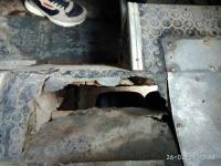 В маршрутке Симферополя женщина провалилась в пол