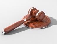 Суд в Симферополе вынес приговор двум экс-полицейским за получение 3 млн руб от сутенёра