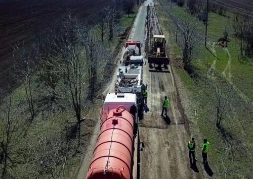 АО «ЦДС» в степном Крыму ведет работы по устройству основания дороги методом холодной регенерации