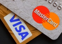 Россиян предупредили о возможном отключении от Visa и MasterCard