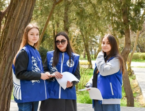 Волонтеры Победы Евпатории провели исторический городской квест для школьников