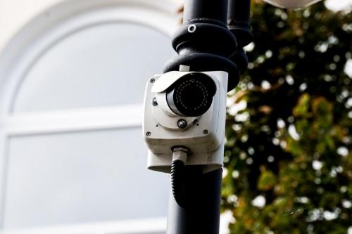 В Симферополе в отремонтированных скверах и на площадях установят видеонаблюдение