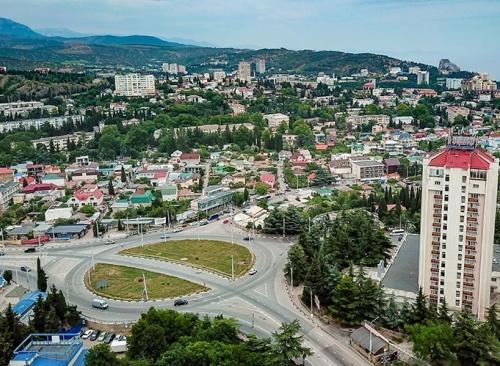 Сотрудник прокуратуры Алушты попался на организации незаконной миграции с Украины