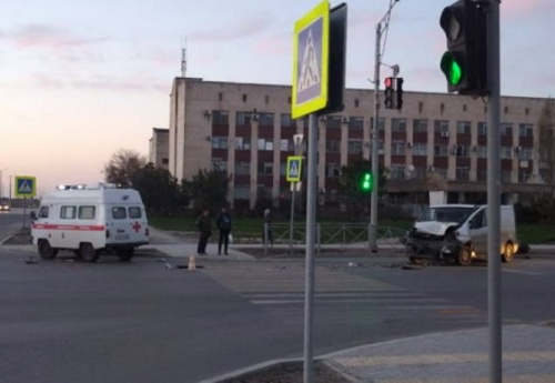 В Евпатории сотрудниками полиция проводится проверка в отношении водителя, совершившего ДТП
