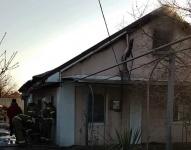 Рано утром под Симферополем горел жилой дом