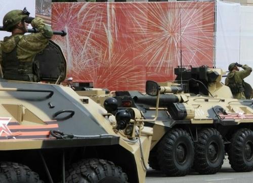 Принимающая участие в Параде Победы военная техника прибыла в Симферополь
