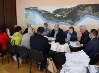 Заместитель министра строительства и архитектуры Крыма встретился с жителями проблемных ялтинских домов