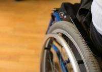 Дети-инвалиды смогут получать медпомощь вне очереди