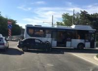 В Симферопольском районе произошло ДТП с участием автобуса: есть пострадавшие