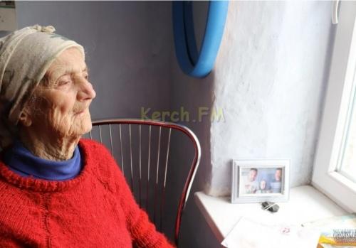 Прокуратура в суде добивается предоставления благоустроенного жилья 100-летней керчанке