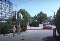 У парка Победы в Севастополе нелегально взимают деньги за парковку