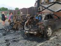 Ночью в Керчи у дома отдыха сгорели 2 автомобиля