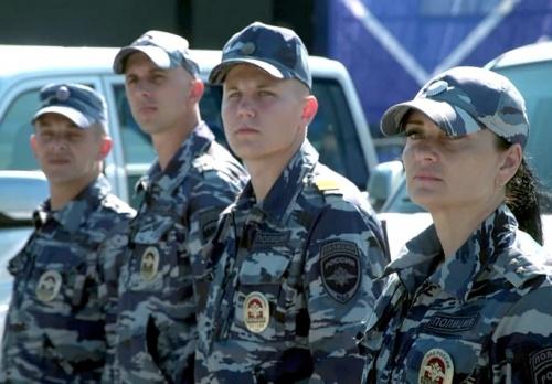 На пляжах Севастополя в турсезон будут дежурить полицейские
