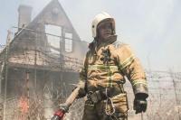 На пожаре в СНТ под Балаклавой едва не взорвались четыре газовых баллона
