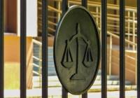 Две сотрудницы евпаторийского МУПа получили условные сроки за мошенничество