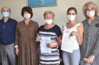 Двум врачам Евпаторийской городской больницы вручили ключи от новых служебных квартир