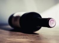 В Алупке полицейские изъяли из продажи более 100 л нелицензированного алкоголя