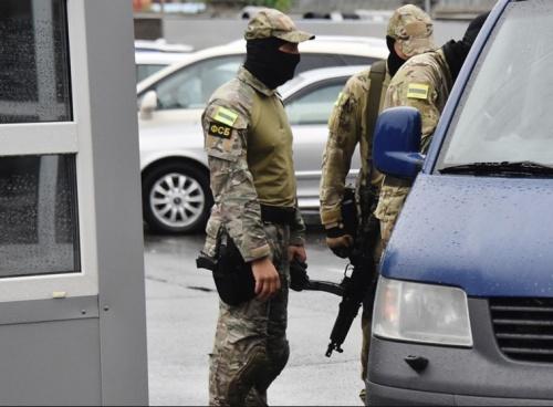 ФСБ произвела выемку документов в департаменте рынков и сельского хозяйства Севастополя
