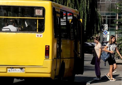 В Симферополе увеличили количество маршруток в аэропорт и пивобезалкогольный комбинат