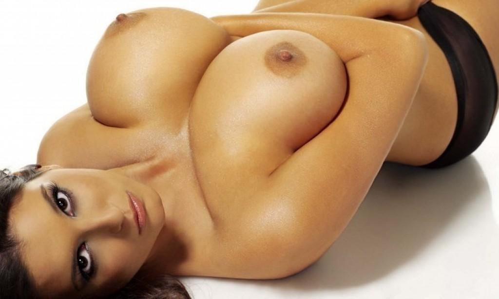 Онлайн лижут порно со средней грудью грудное молоко