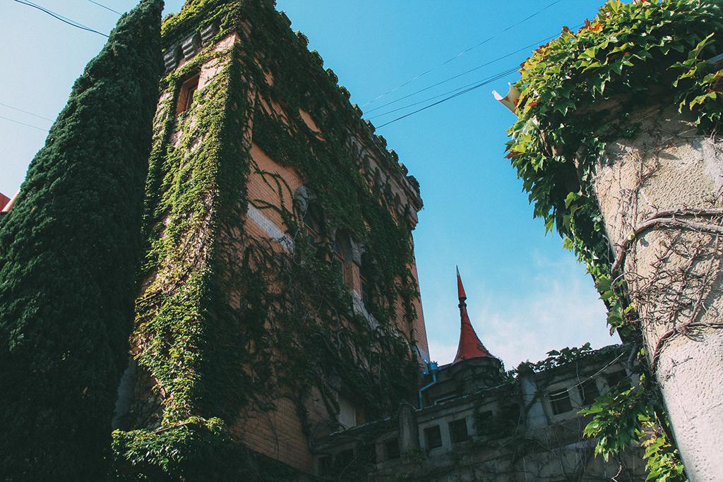 Фасад замка княгини Гагариной