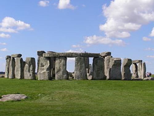 Англия: реконструкция Стоунхенджа
