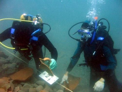 На дне Черного моря нашли затонувший корабль с кладом