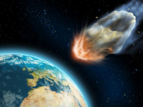 К Земле приближается опасный астероид