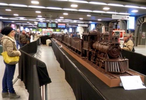Бельгийцы изготовили самый большой в мире шоколадный поезд