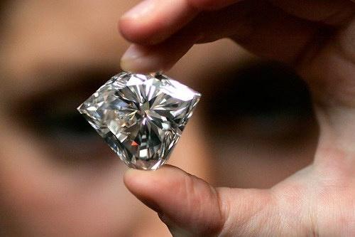 Чистой воды камень: В Китае хотят делать бриллианты из дыма