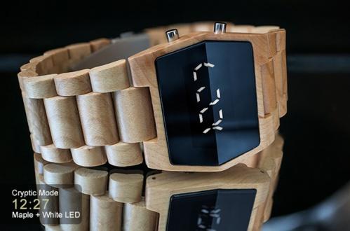 Япония представила часы из натурального дерева