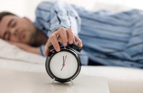 Ежедневный получасовой недосып вызывает ожирение