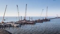 На строительстве Керченского моста выполнена половина свайных работ