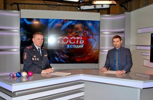 Руководитель вневедомственной охраны Росгвардии по Республике Крым в эфире телеканала «Первый Крымский» рассказал, как защитить свое имущество от преступных посягательств в дни Новогодних праздников