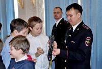 Сотрудники Управления вневедомственной охраны Росгвардии по Республике Крым провели «Урок мужества» для школьников