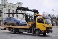 С Театральной площади эвакуируют автомобили