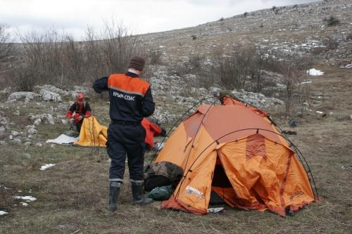 Спасатели Алушты провели учебные тренировки по спелеоподготовке