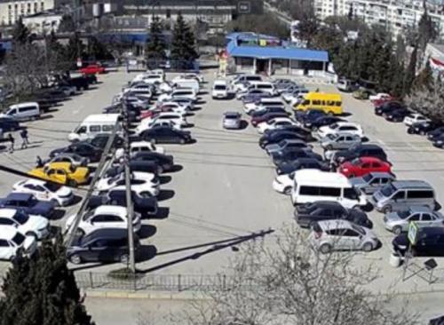 Парковку севастопольского МРЭО оборудовали веб-камерой