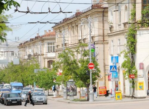 Во дворах Севастополя предлагают разводить виноград