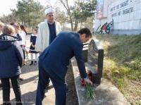 В Симферопольском районе почтили память крымскотатарского героя