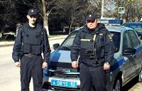 В г. Саки сотрудники вневедомственной охраны Росгвардии задержали по горячим следам подозреваемого в грабеже