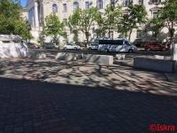 В Севастополе закрыли парковки у театра и больничного комплекса