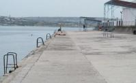 В Севастополе на «Хрустальном» пляже появится спортплощадка