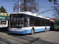 Крымским троллейбусам не хватает около 80 водителей